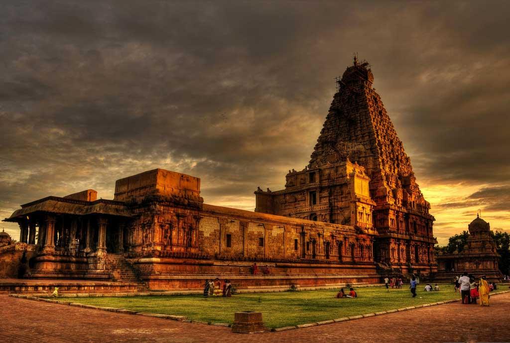 Brihadeeswarar Temple   Thanjavur Tourism